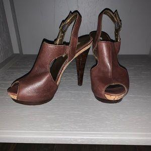 Leather peep-toe heel